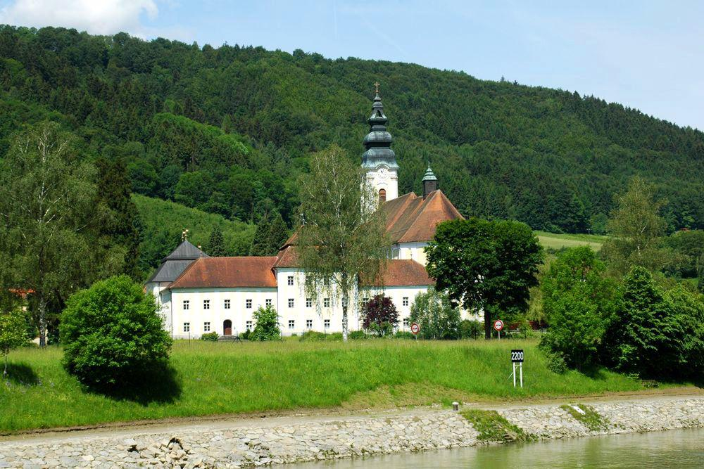 Cycling Passau-Vienna - Engelszell Abbey