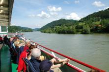 Cycling Passau Vienna - Boat trips danube